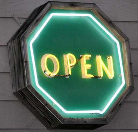 open-sign-1563839.jpg